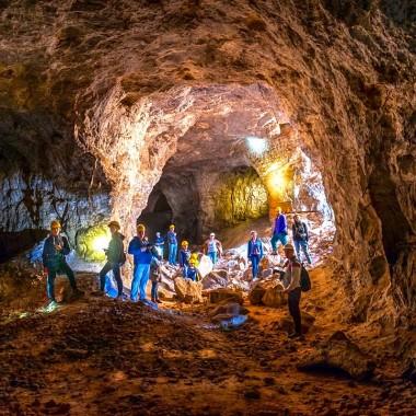 Экскурсия по гипсовым пещерам + дегустация сыров