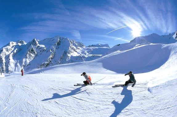Картинка катание на лыжах в Домбае