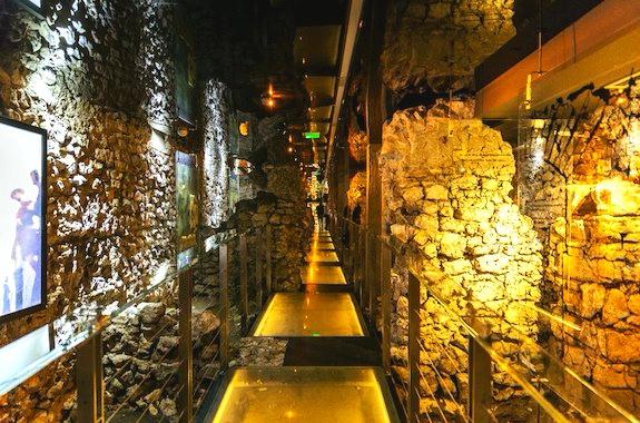 Фото экскурсия в музей подземелья рынка