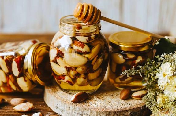 Картинка дегустация меда в медовой хате