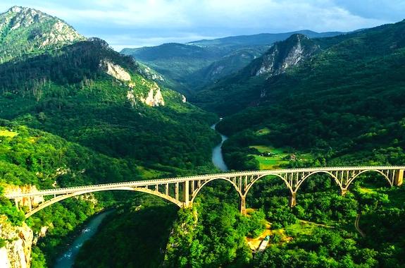 Фото экскурсия на знаменитый мост в Черногории