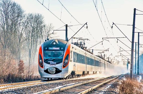 Фото поезд в Карпаты
