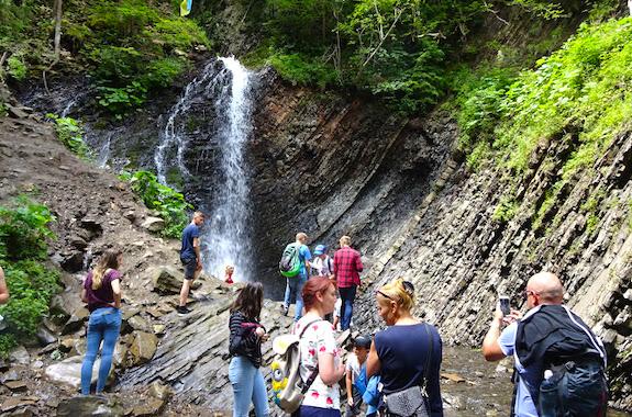 Картинка поездка на водопад Гук