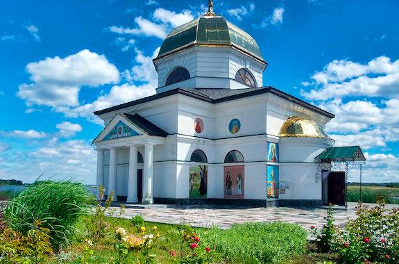 Картинка поездка в затопленную церковь в Гусинцах