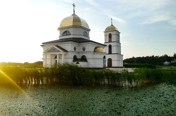 Поездка к затопленной церкви