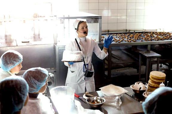 Картинка школьные экскурсии на шоколадную фабрику из Харькова