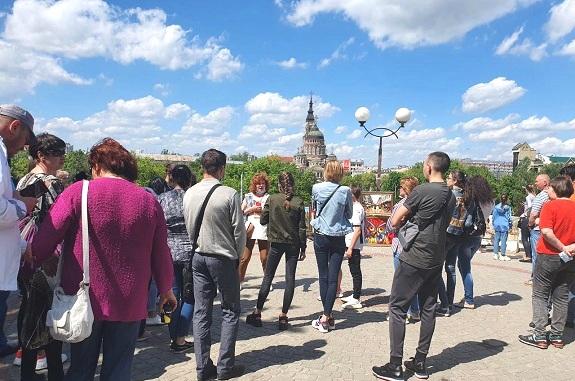 Картинка Экскурсия в Харьков из Днепра на бал хризантем
