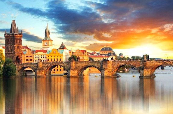 Фото прогулка на корабле по реке в Праге