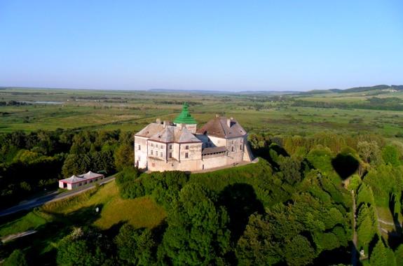 Изображение экскурсия в Олеский замок