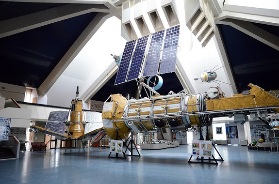 Фото музей космонавтики в Днепре