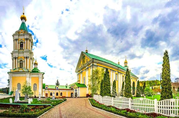 Картинка церковь в Почаеве