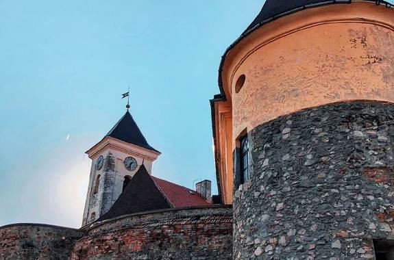 Картинка экскурсия в замок Паланок из Харькова