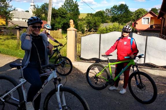 Картинка велосипедная прогулка по Карпатам