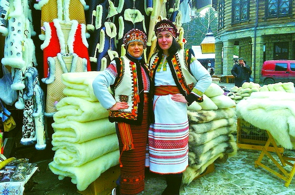 Картинка Яремче сувенирный рынок