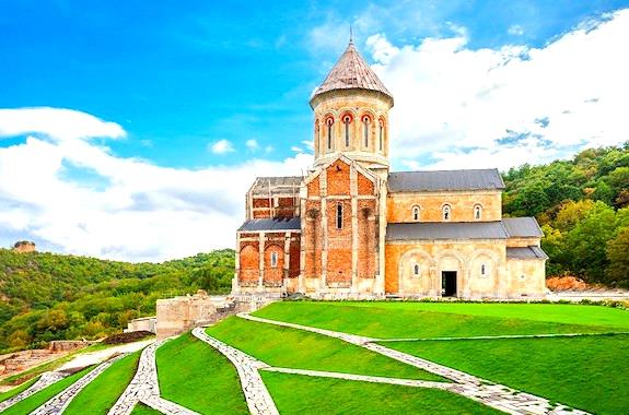 Фото поездка в женский монастырь в Бодбе